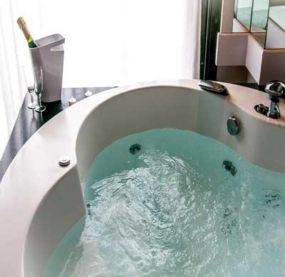 Jacuzzi Acacias Hotel Suites & Spa